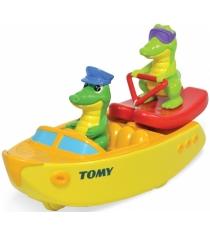 Крокодил на лодке Tomy E72358