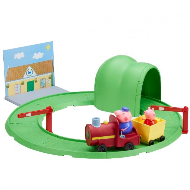 Игровой набор Паровозик с туннелем ТМ Свинка Пеппа Intertoy 33847