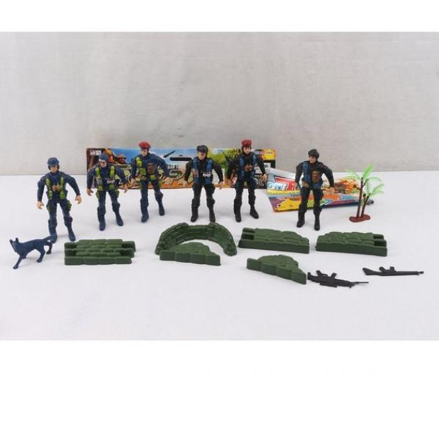 Набор из 6 солдатиков с аксессуарами