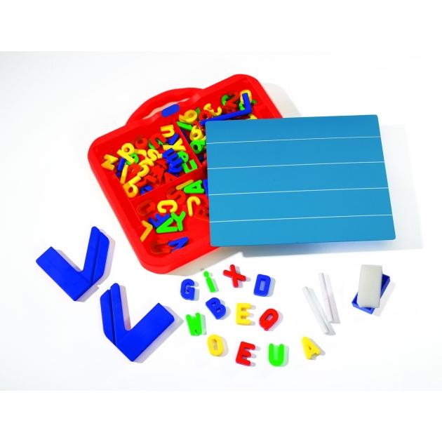 Магнитная доска с набором букв и цифр в чемоданчике Simba Art Fun развивающая учебная 6330149