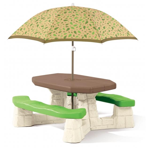 Детский столик для улицы Step 2 Пикник-3 с зонтом 880200