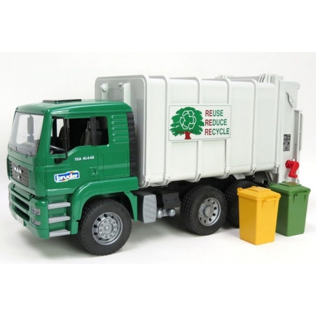 Мусоровоз MAN (цвет кузова белый, кабины – зеленый) (подходит модуль со звуком и светом Bruder (Брудер) (Арт. 02-764)