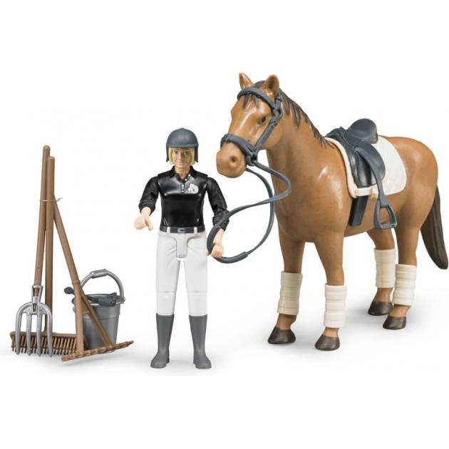 Фигурка всадница Bruder на лошади с инструментами 62-505